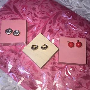 Jewelry - 3 pairs Vintage Clip-on Earring